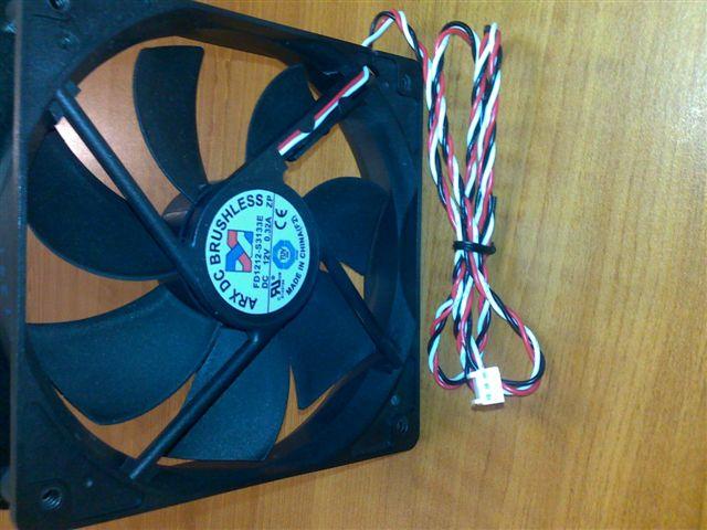 Prídavný ventilátor, 8cm. s 3pin konektorom