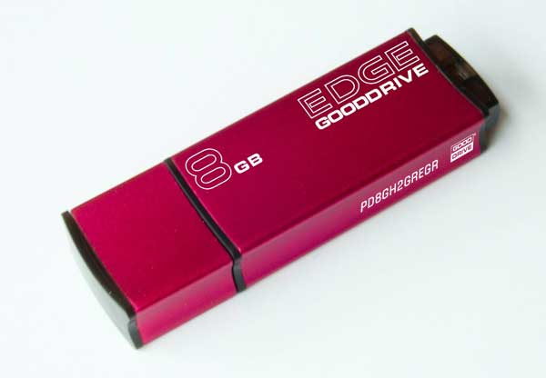 8 GB . USB kľúč . GOODDRIVE EDGE USB 2.0 Retail 9 červený