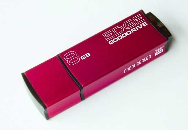 8 GB . USB kľúč . GOODDRIVE EDGE USB 2.0 Retail 9 červený