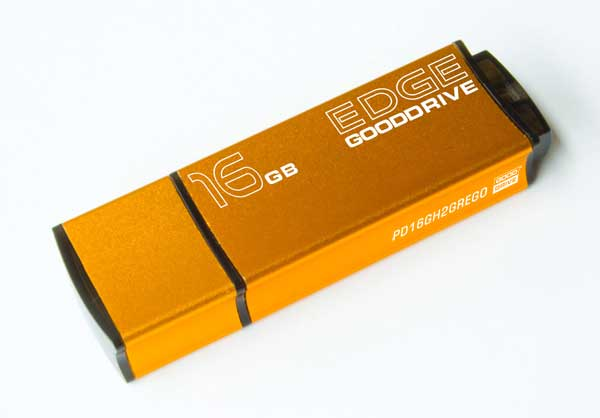 32 GB . USB kľúč . GOODDRIVE EDGE USB 2.0 Retail 9 zlatý