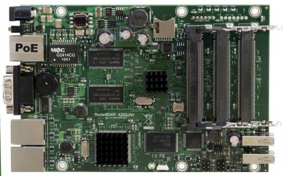 MIKROTIK RouterBOARD 435G + L5 (680MHz;256MB RAM, 3xGigaLAN, 5xMiniPCI,2x USB)