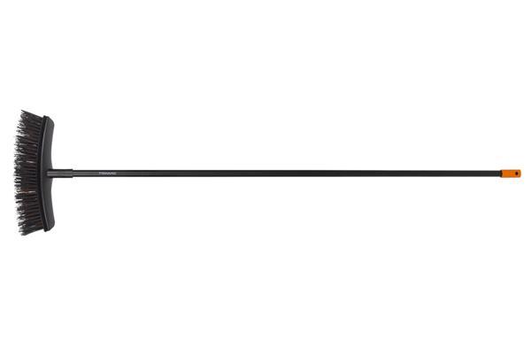 FISKARS Metla Solid, univerzálna