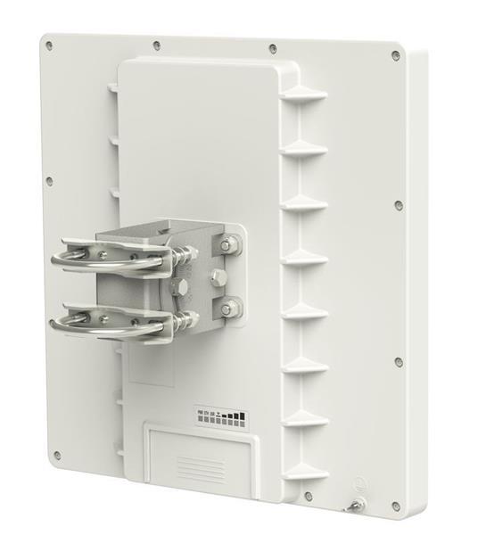 MIKROTIK RouterBOARD QRT-5 + L4 (600MHz, 64MB RAM, 1x GLAN, 1x5GHz 802.11an, 24dBi antena) outdoor