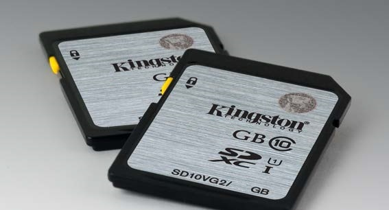 16 GB . SDHC karta Kingston . Class 10 UHS-I ( r45MB/s, w10MB/s)