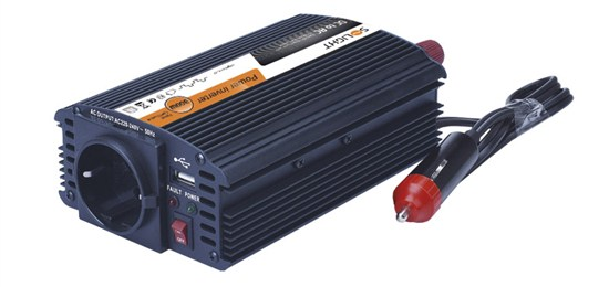 Solight invertor 12V, USB 500mA, kovový, čierny, max. zaťaženie: 300W