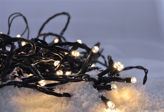 Solight LED vonkajšia vianočná reťaz, 50LED, 5m, 3m prívod, 8 funkcií, IP44, 3x AA, teplá biela