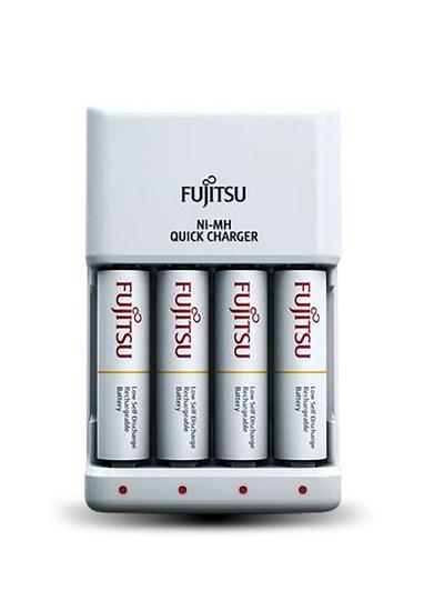 Fujitsu rýchla nabíjačka, 4-kanálová, 4x R06/AA, 2100 cyklov, blister