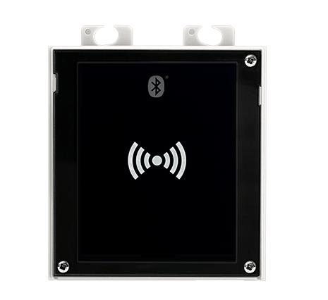 2N® IP Verso Bluetooth a 13.56MHz + 125kHz RFID čtečka, čte UID + PACS ID