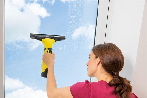 Kärcher Čistič okien s odsávaním WV 5 Premium s príslušenstvom